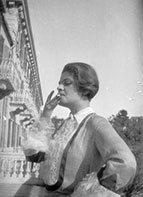 Anna Mahler in Santa Margherita in front of Hotel Imperial (1920s)