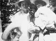 Alma with Gustav Mahler and their daughters
